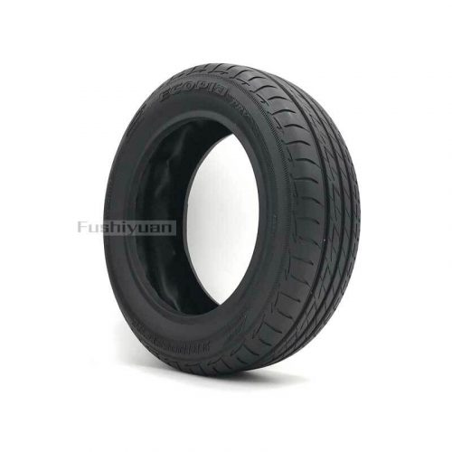 Rubber racing tire